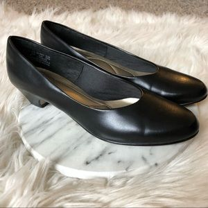 Hush Puppies Softstyle Angel 2 Classic Black Pumps